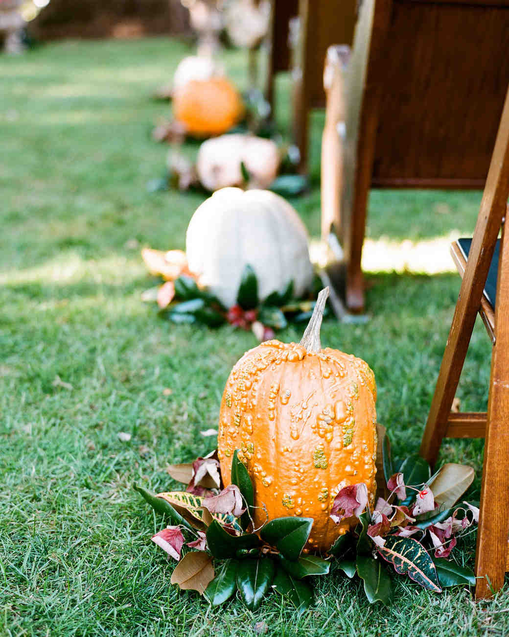 pumpkin aisle decorations