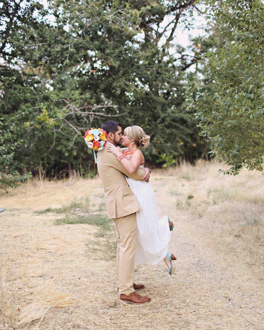 real-weddings-nichole-matthew-wd0413-166.jpg