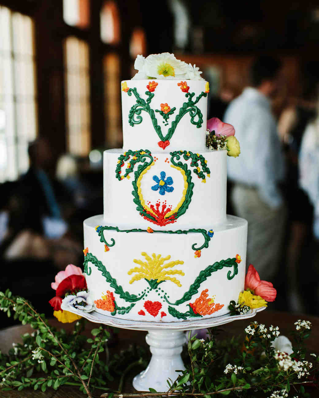 summer wedding cakes embroidered