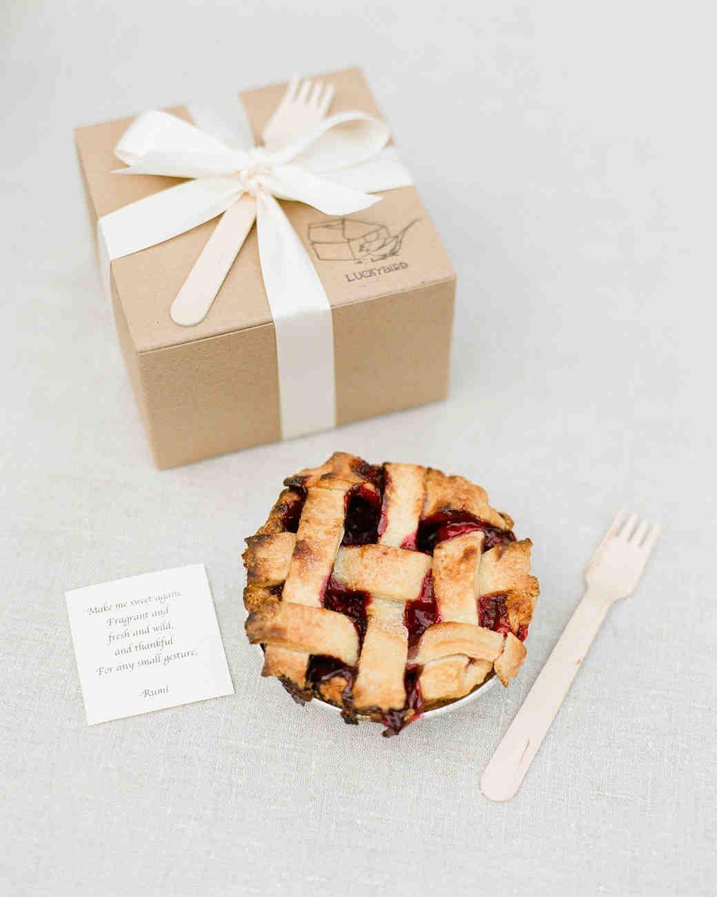 pie edible wedding favor