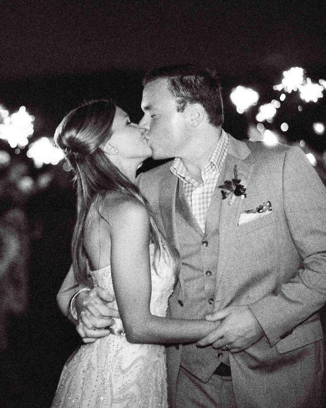 erin-jj-wedding-sparklers-99-s111742-0115.jpg