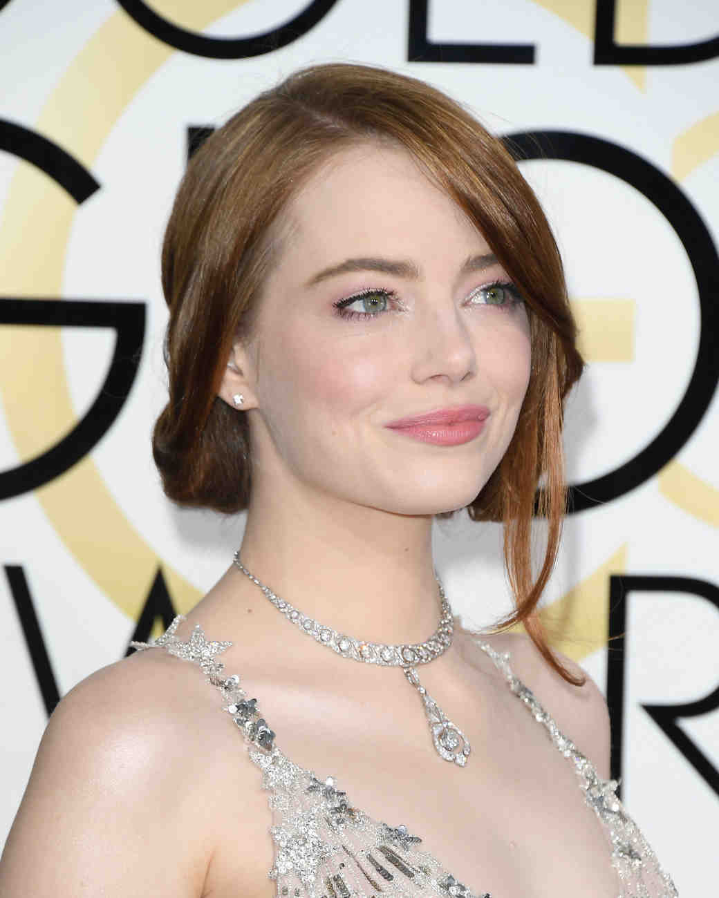 Emma Stone Beauty Look Golden Globes 2017
