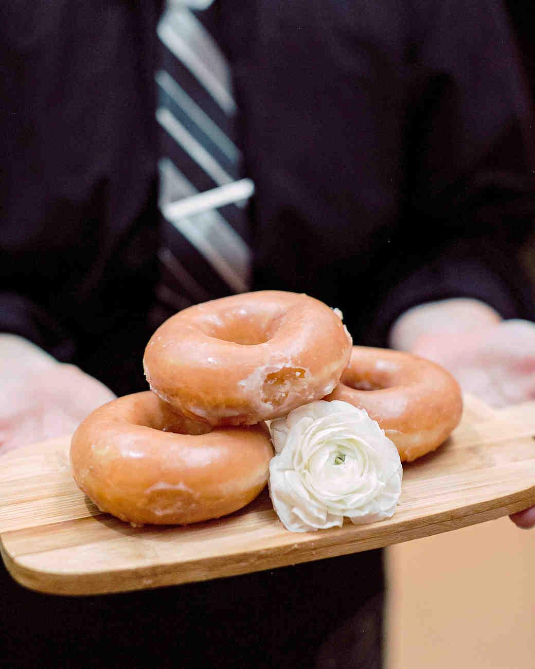 jamie jon wedding donuts
