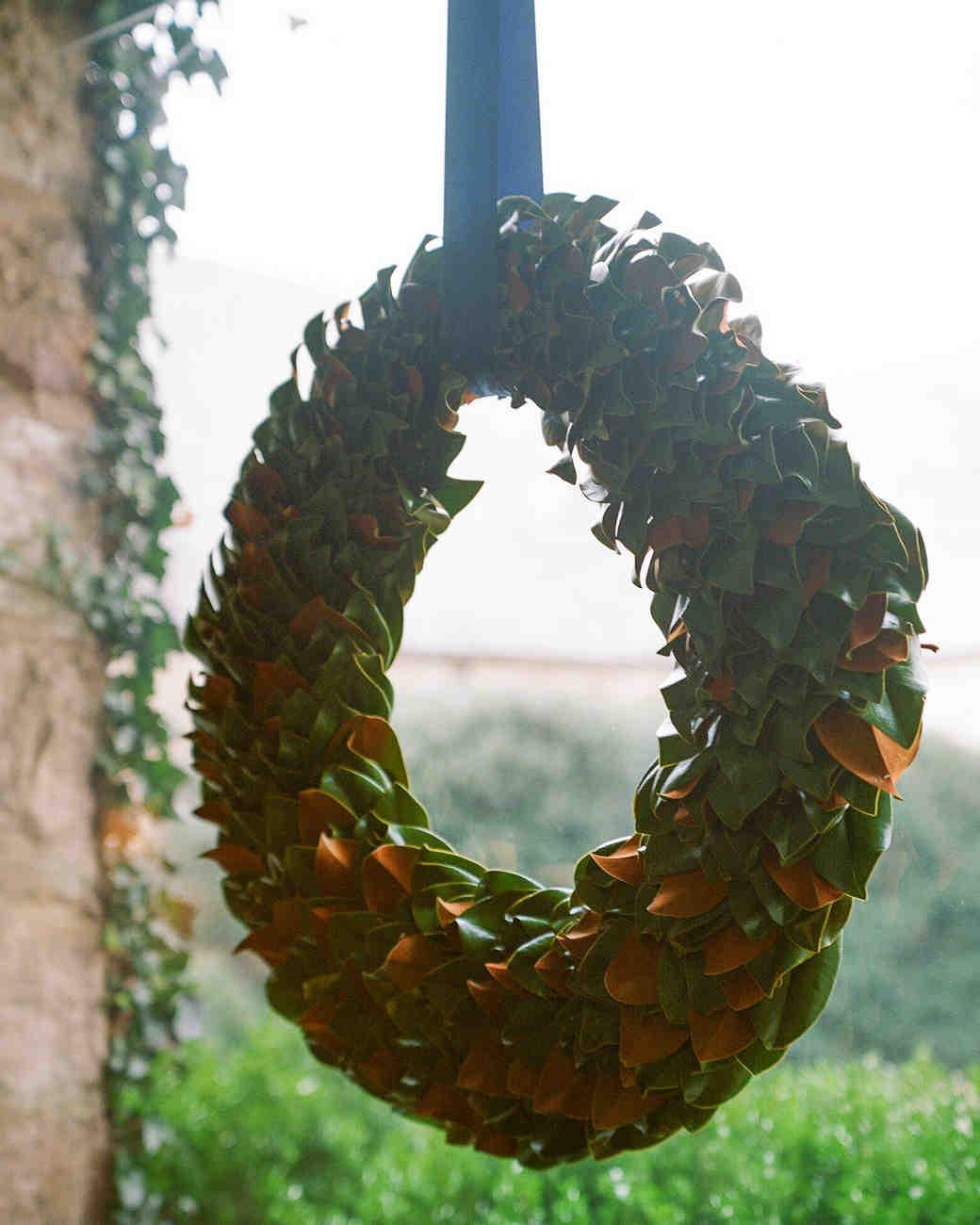 jane-ryan-wedding-wreath-148-s111352-0714.jpg
