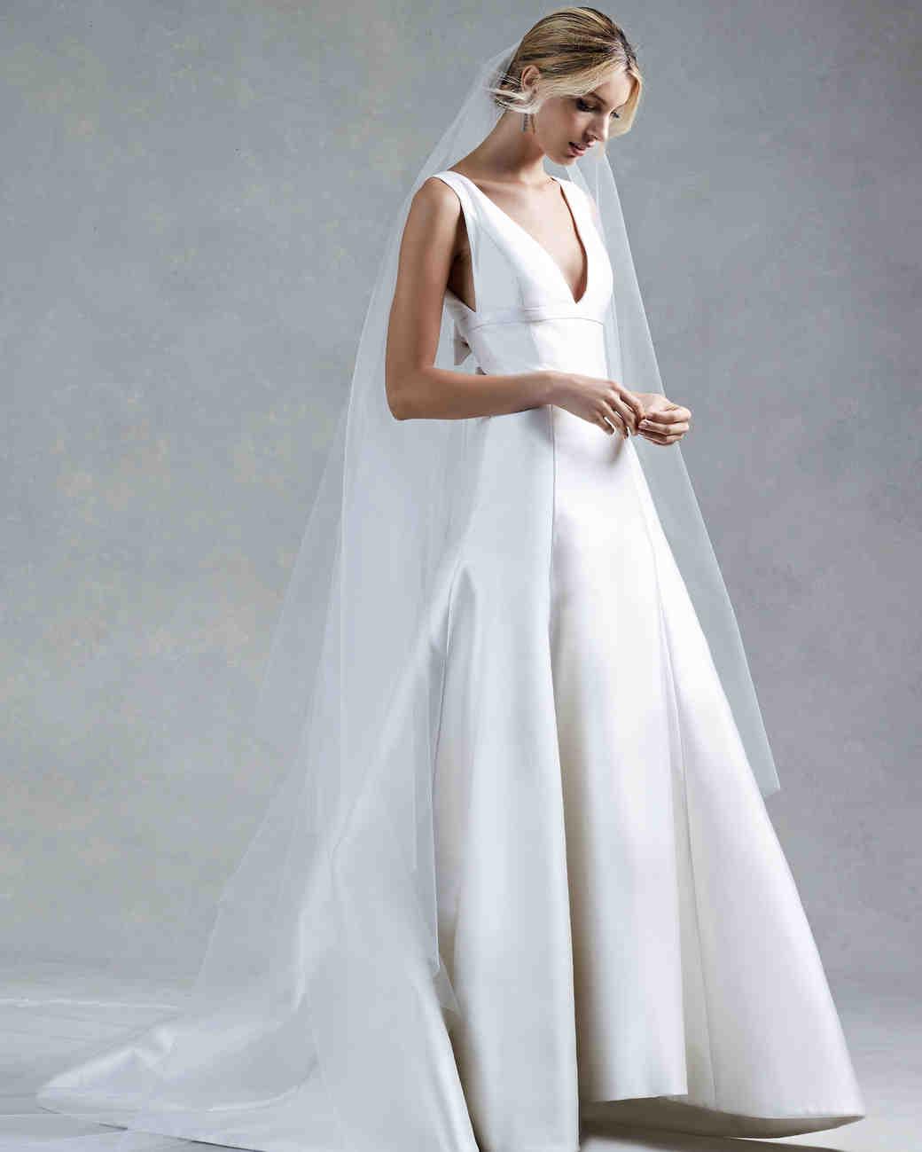 Oscar de la renta fall 2017 wedding dress collection for De la renta wedding dresses