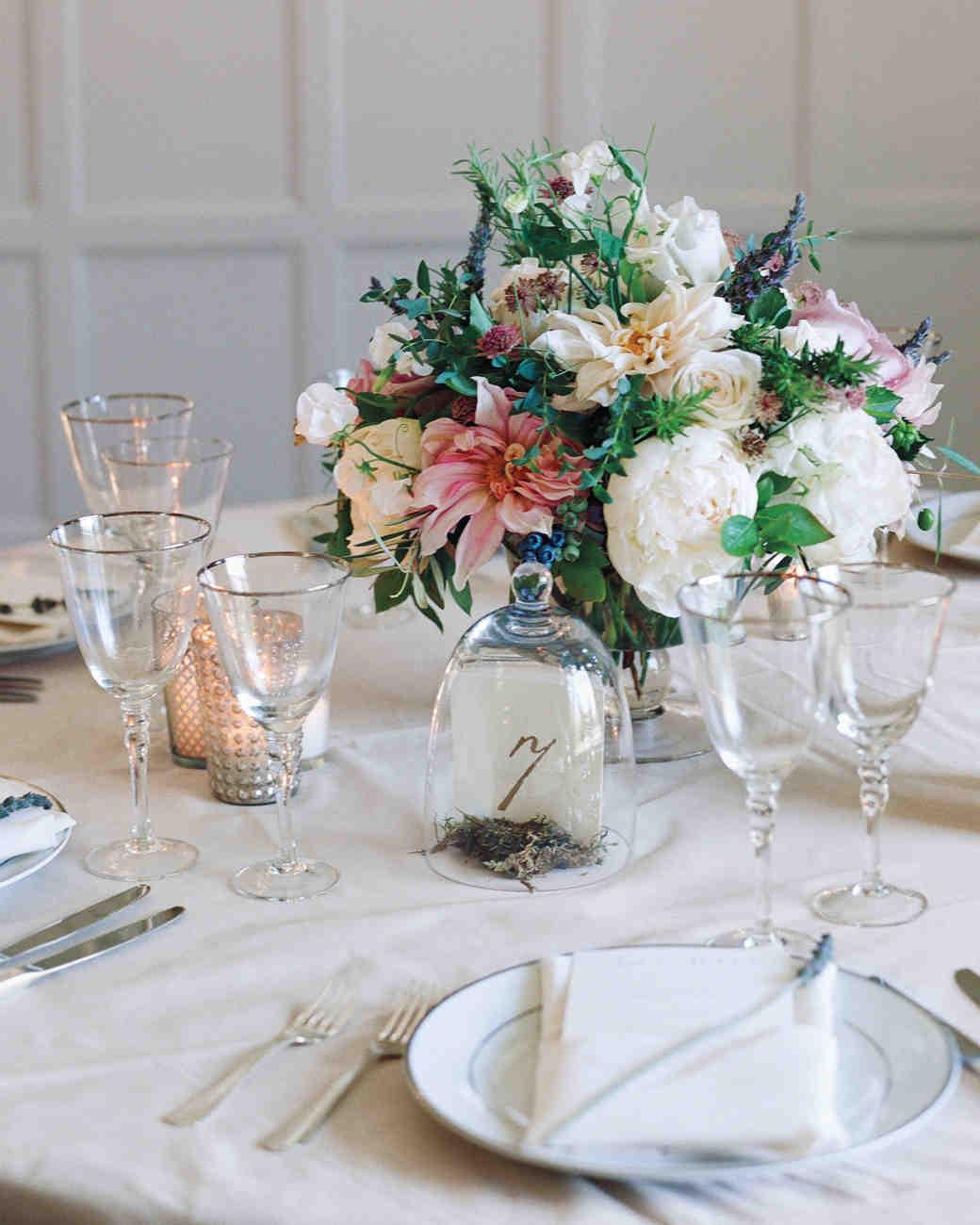 36 simple wedding centerpieces martha stewart weddings rh marthastewartweddings com Wedding Reception Table Decorations Wedding Reception Table Decorations
