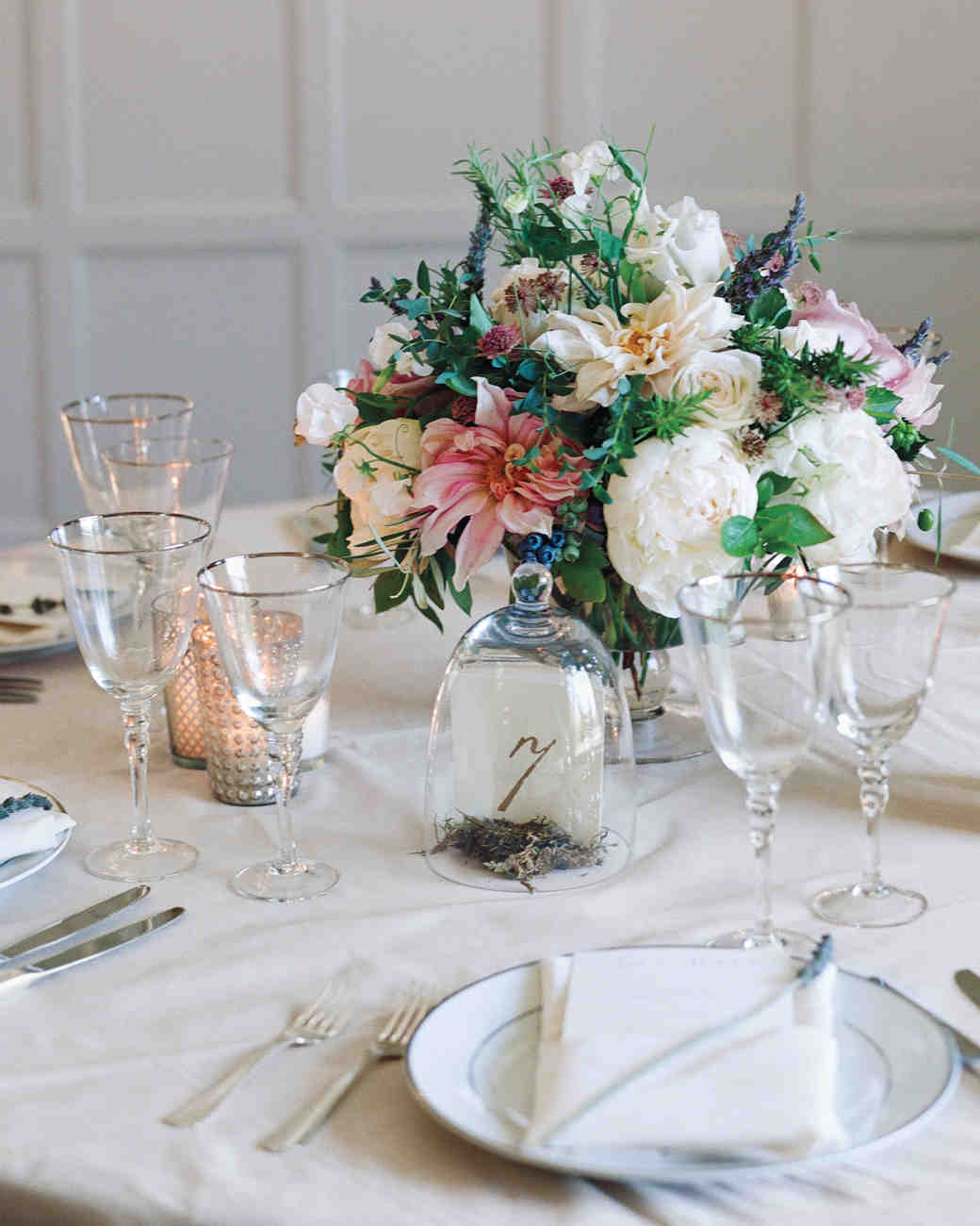 36 simple wedding centerpieces martha stewart weddings junglespirit Images