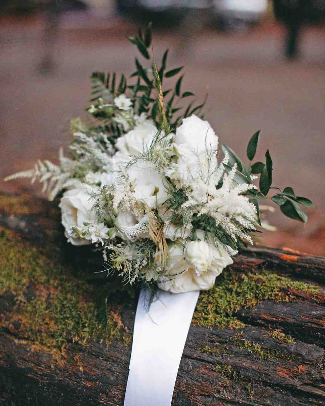 danielle adam wedding bouquet