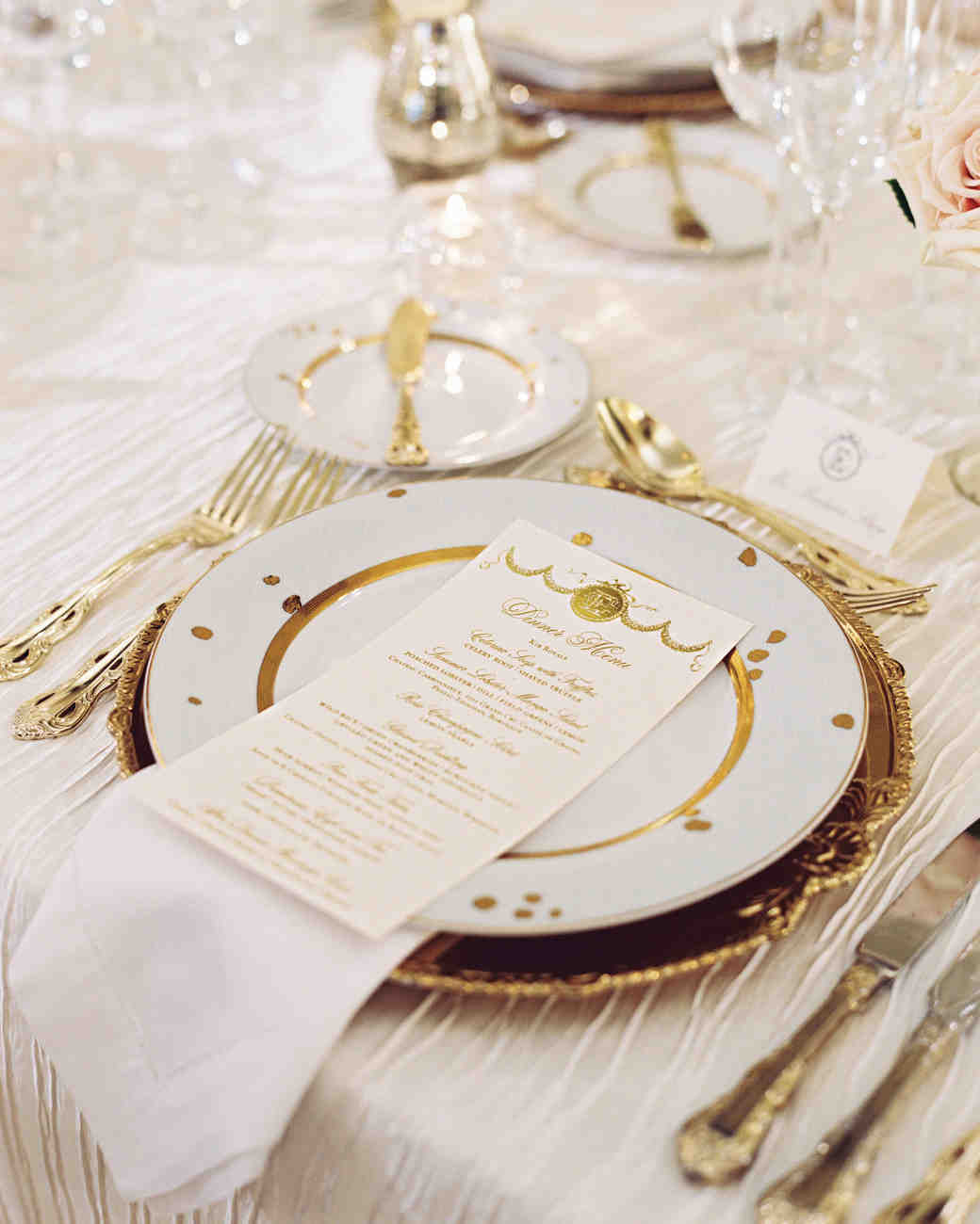 elizabeth-cody-real-wedding-place-settings.jpg