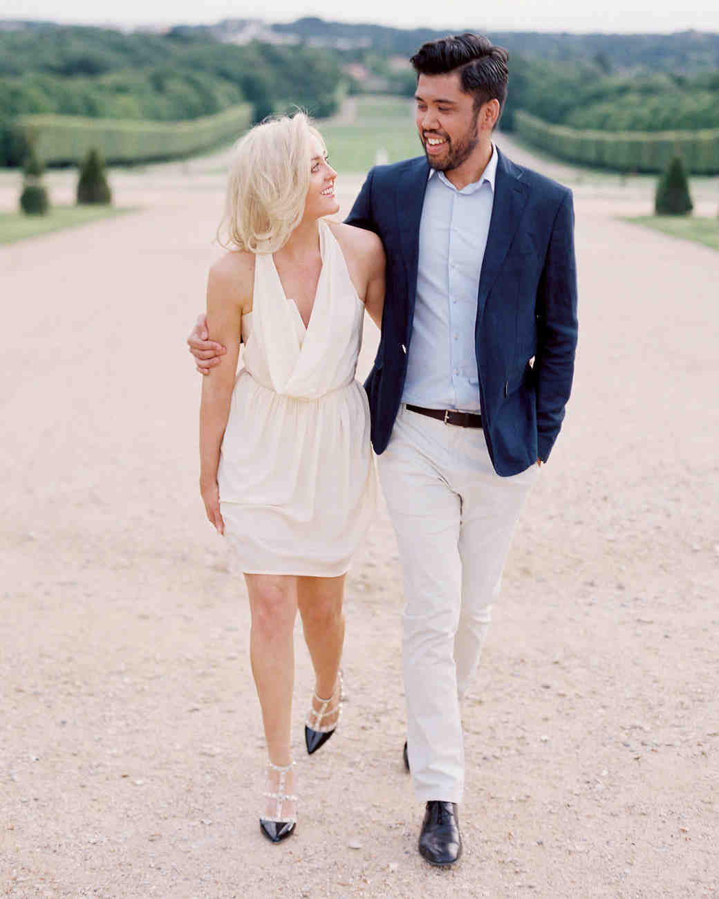 How To Plan The Ultimate Engagement Party Martha Stewart Weddings
