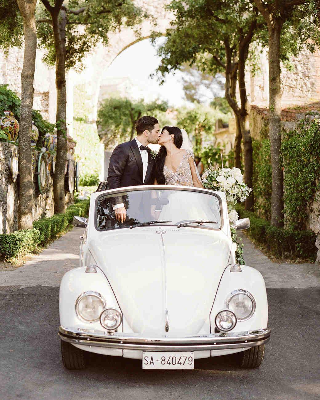 lisa greg italy wedding car convertable couple kiss