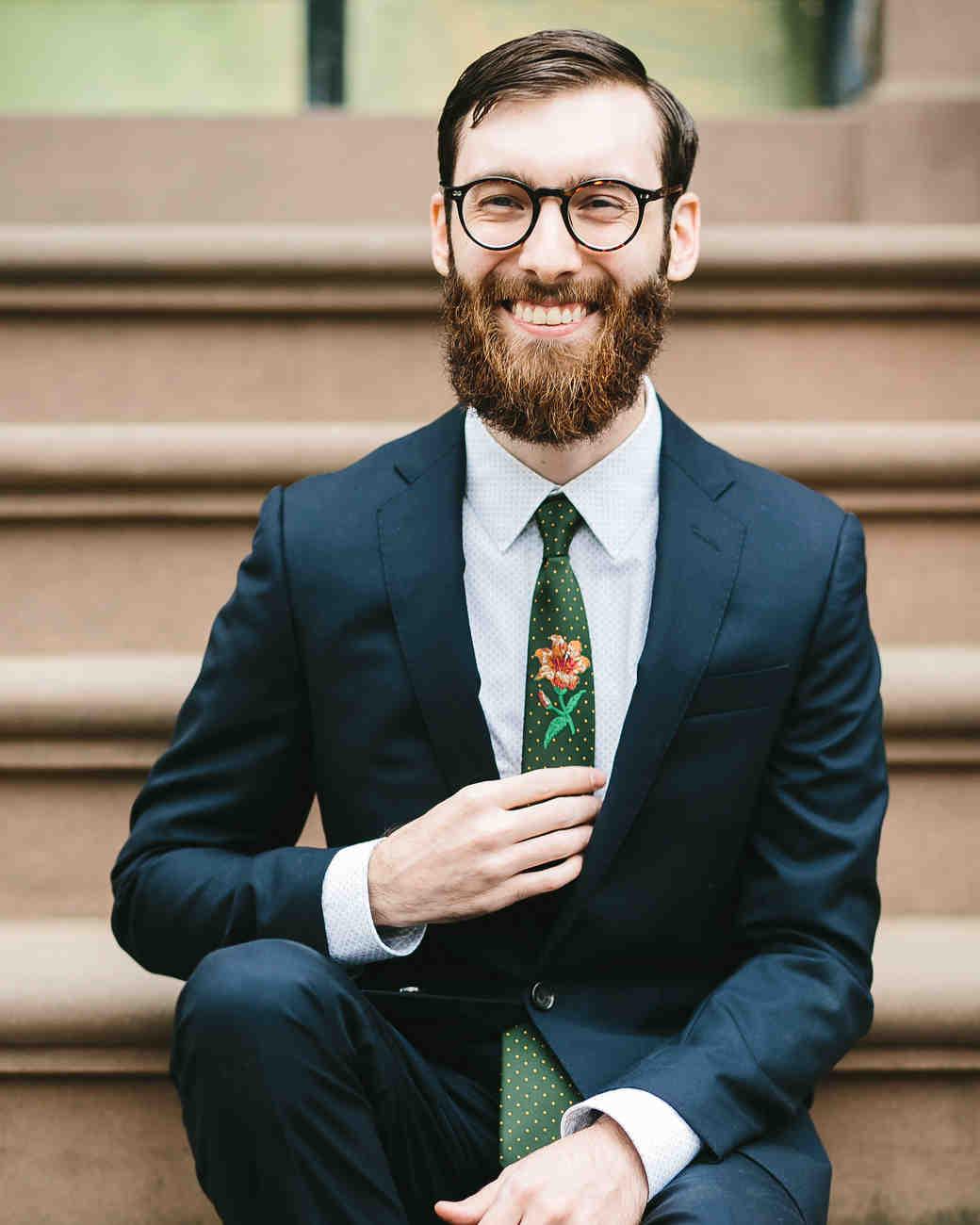 lola quinlan elopement groom tie