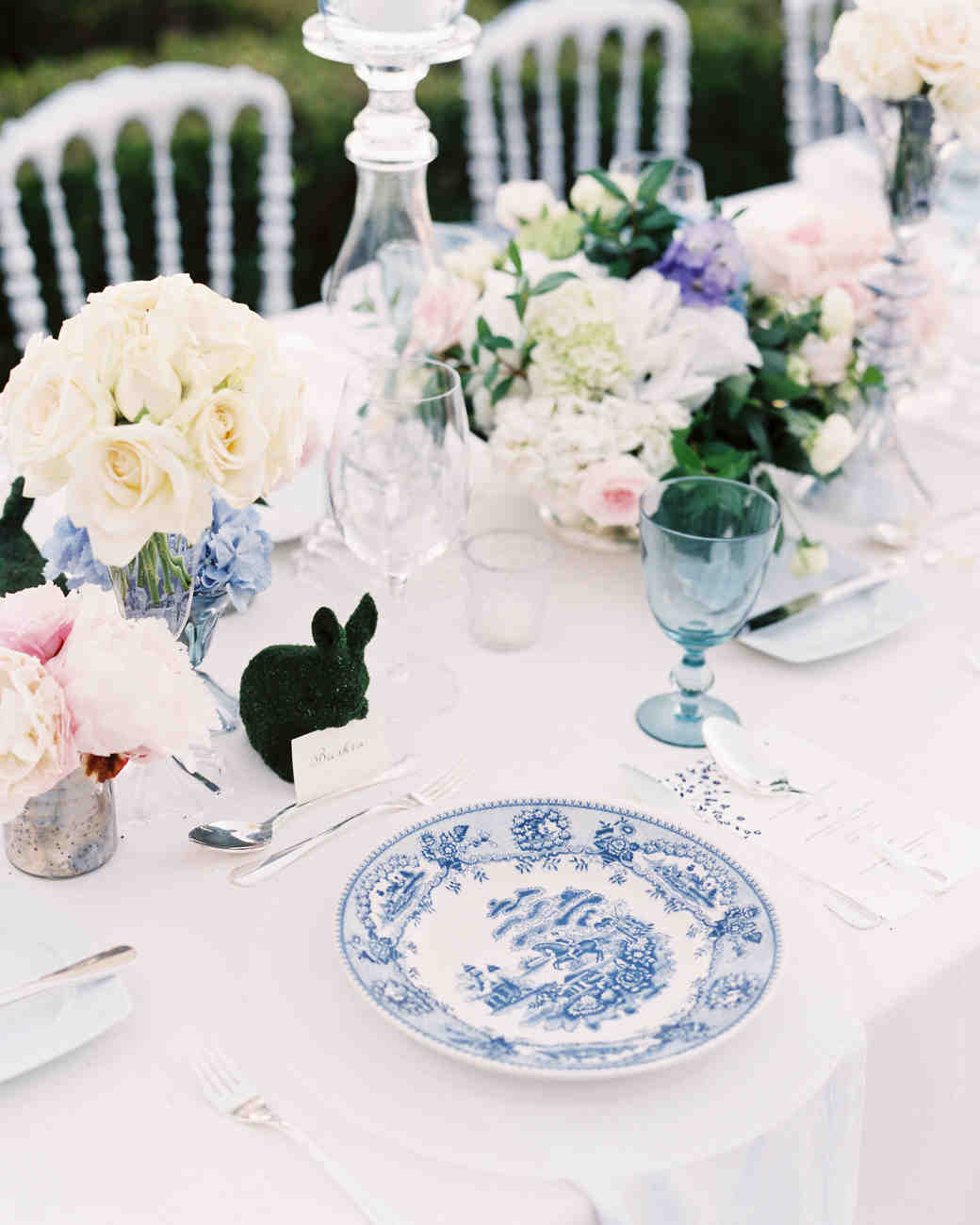china plates floral tablescape