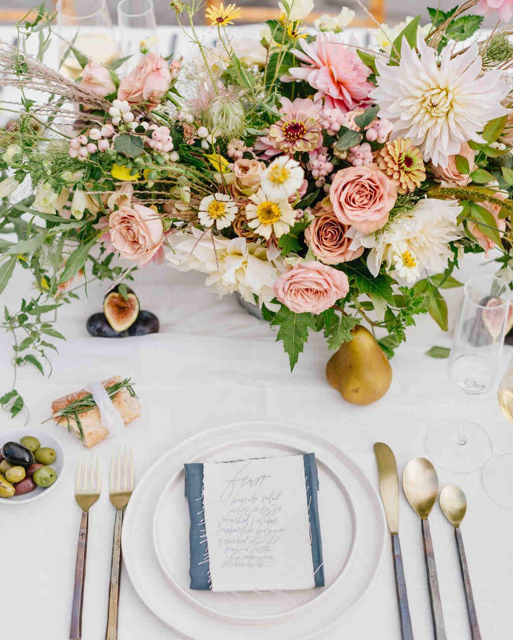 dahlia wedding centerpieces big decor table setting