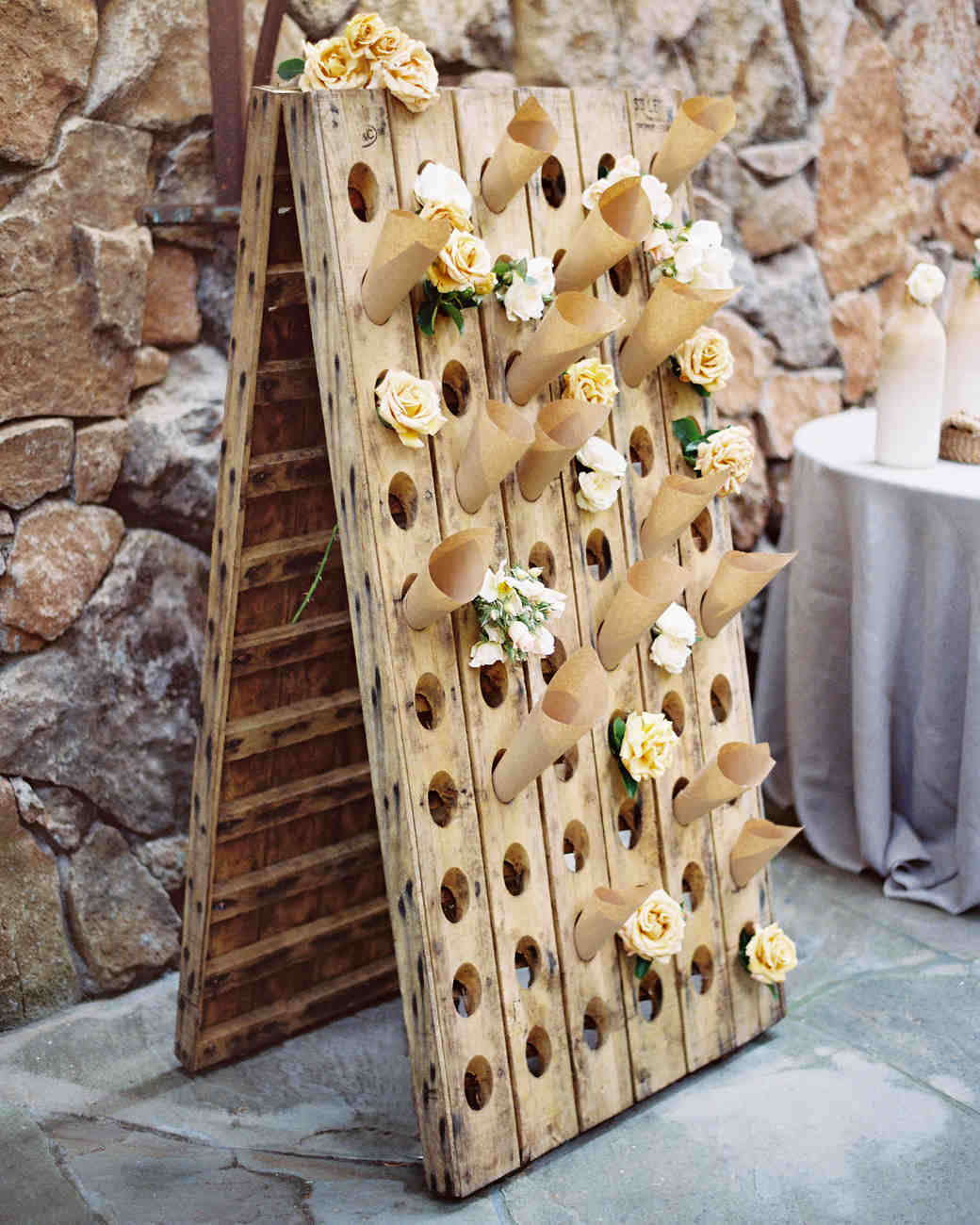 marilyn-harold-flowers-008899-001-wds109987.jpg