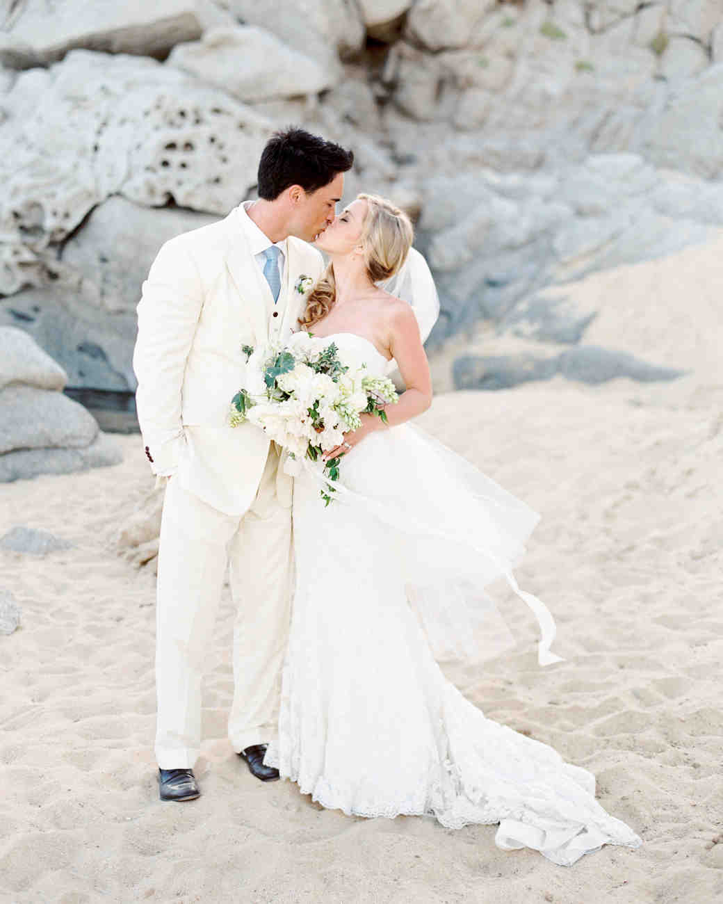 Couple S Wedding Ceremony And Reception Held At The Beach: A Relaxing, Ocean-Front Wedding In Cabo