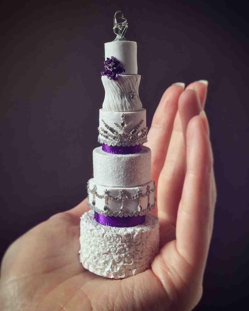 mini cake purple accent