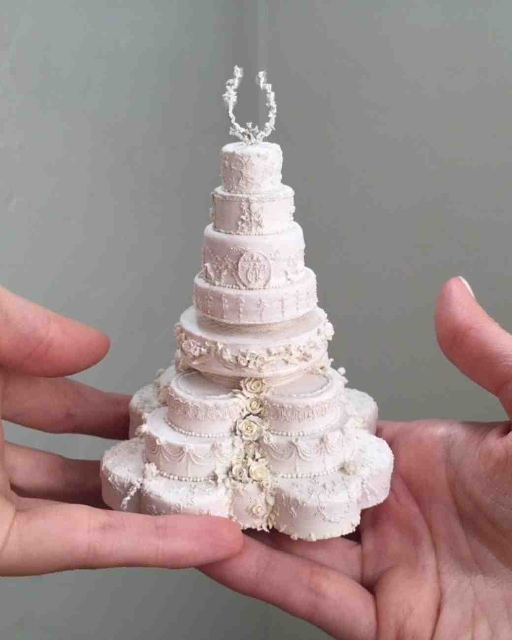 picture of royal wedding cake these miniature wedding cakes are the ultimate wedding 18358