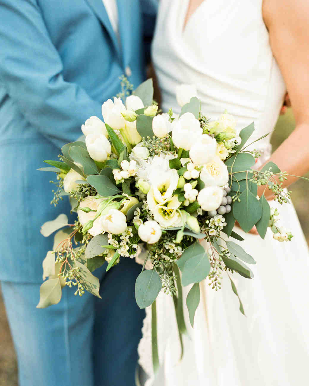 The 50 best wedding bouquets martha stewart weddings for Bouquet of flowers for weddings