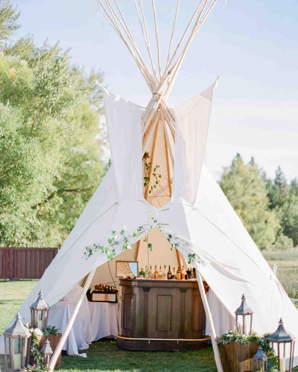 robin-kenny-wedding-teepee-083-s112068-0715.jpg