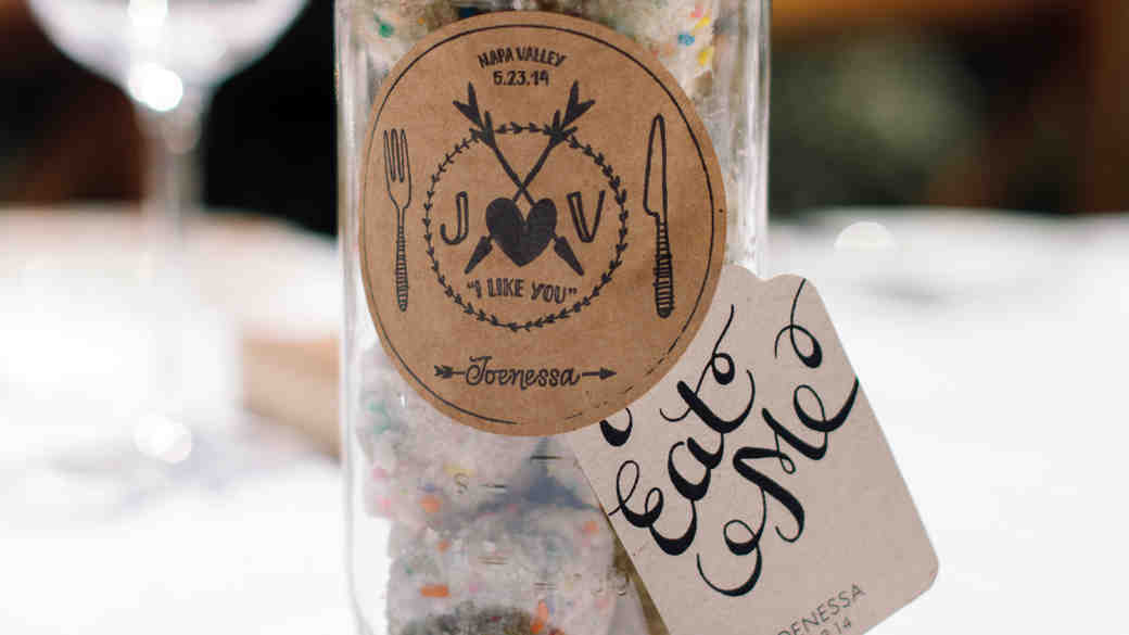 Easy Ways to Upgrade Your Mason Jar Wedding Favors