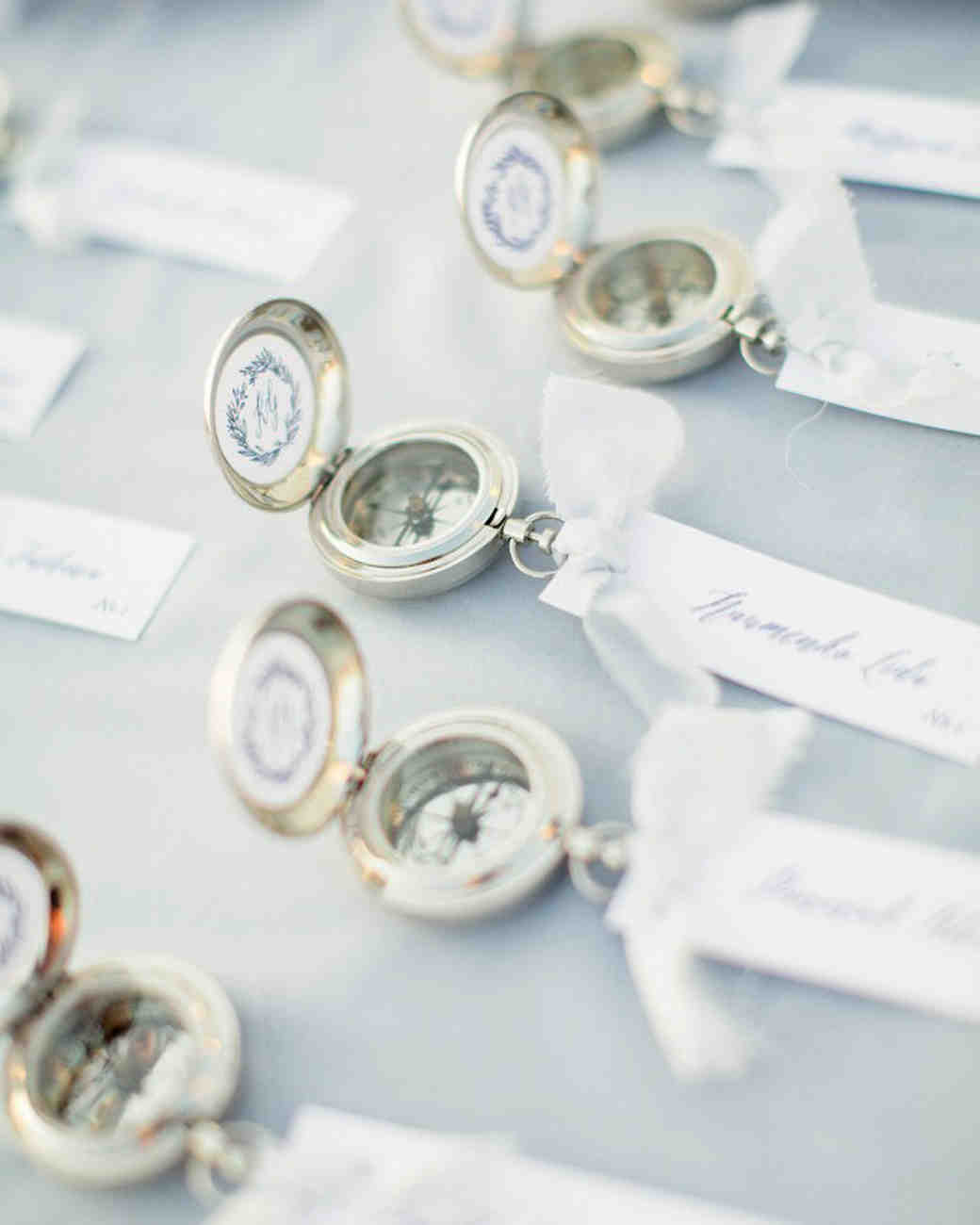 5ffa1a36a578a0 29 Destination Wedding Favors Inspired by Travel