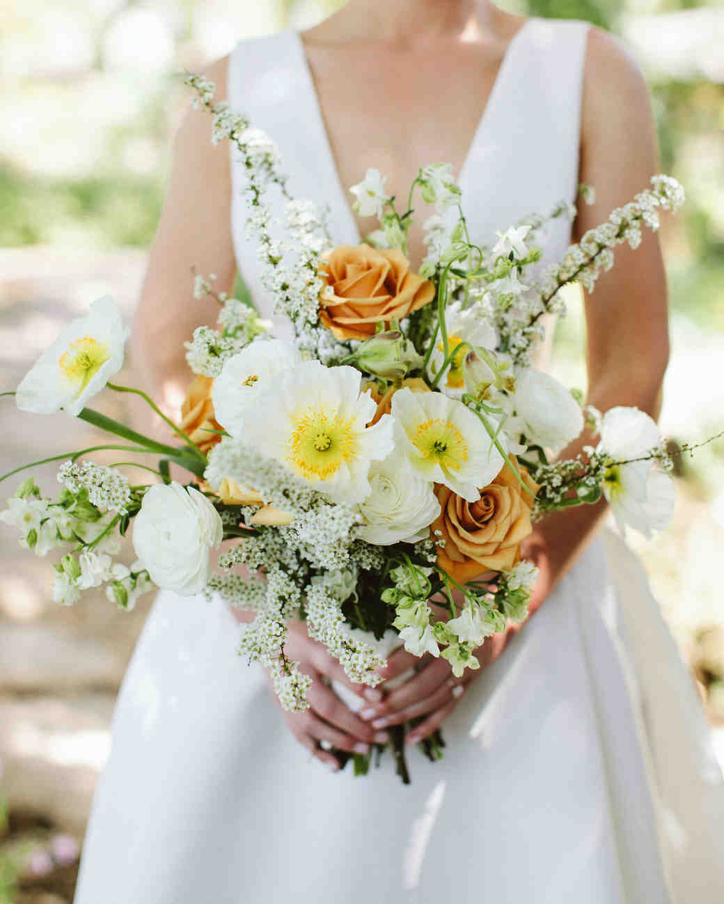 52 Ideas For Your Spring Wedding Bouquet