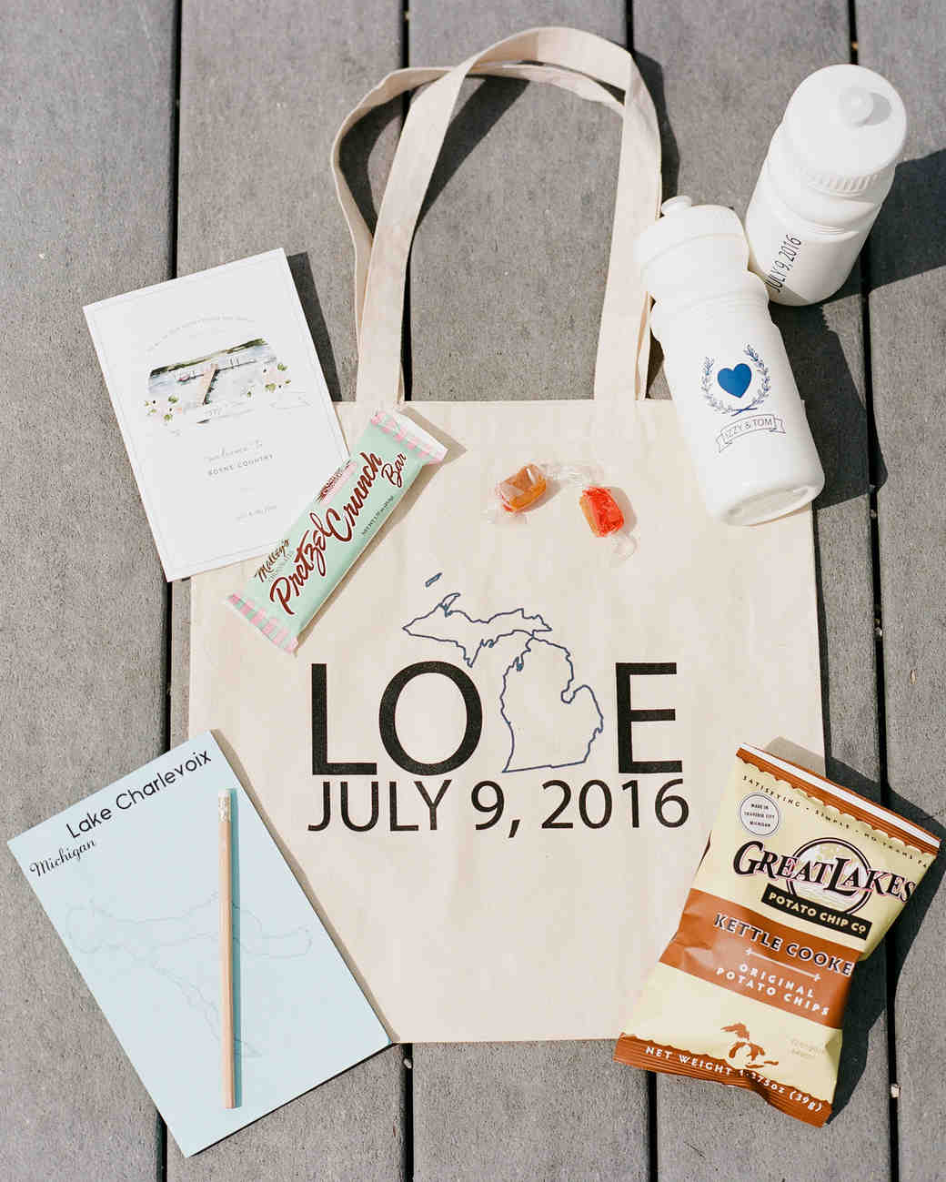 izzy tom wedding welcomebag