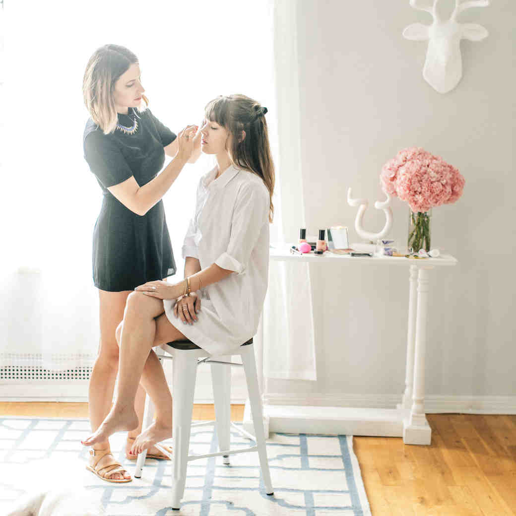 12 Tips to Touch Up Your Wedding Makeup Like a Pro