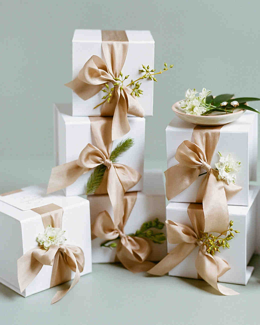 Gift Boxes For Weddings: 34 Festive Fall Wedding Favor Ideas