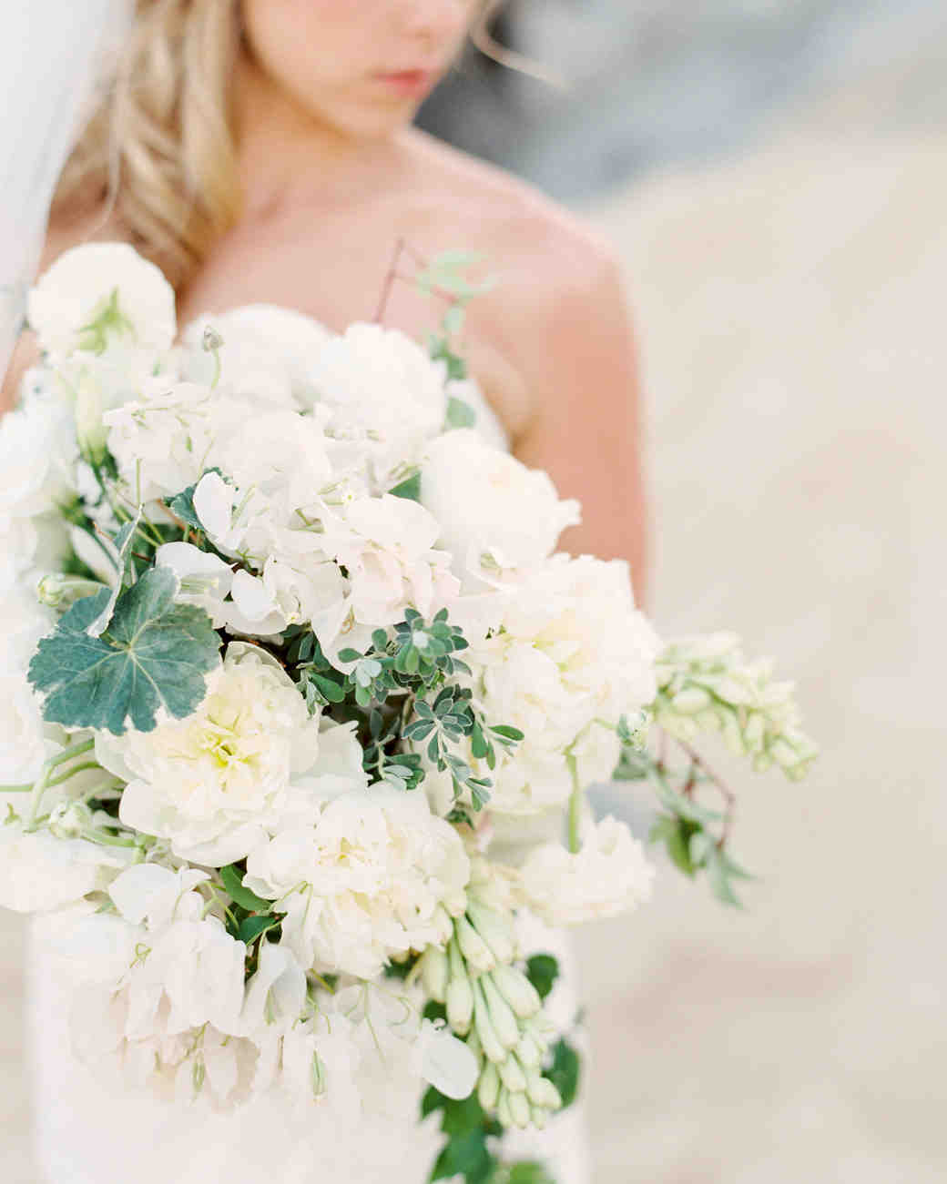 40 Chic Cascading Wedding Bouquets Martha Stewart Weddings