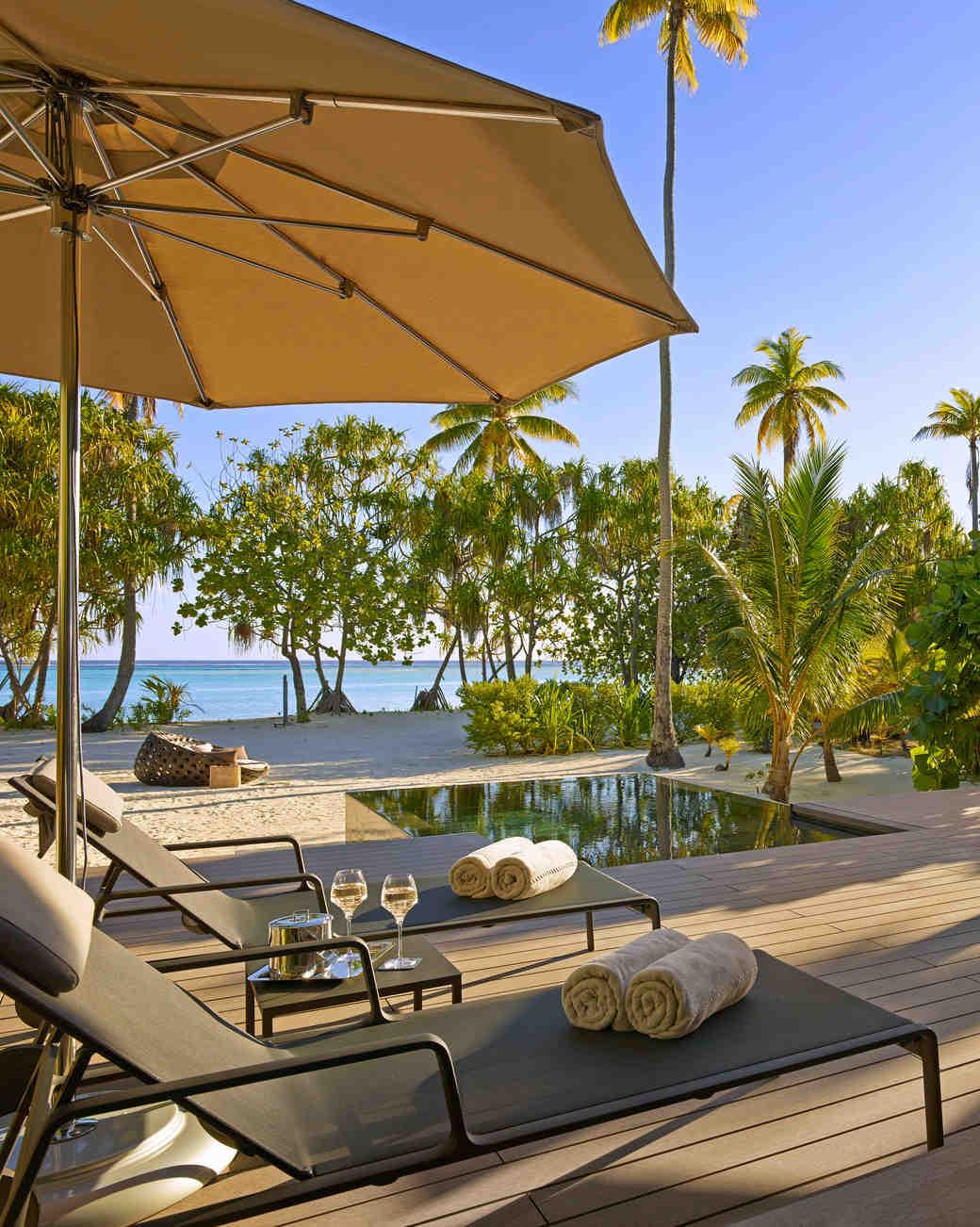 private-islands-the-brando-bedroom-rear-1015.jpg