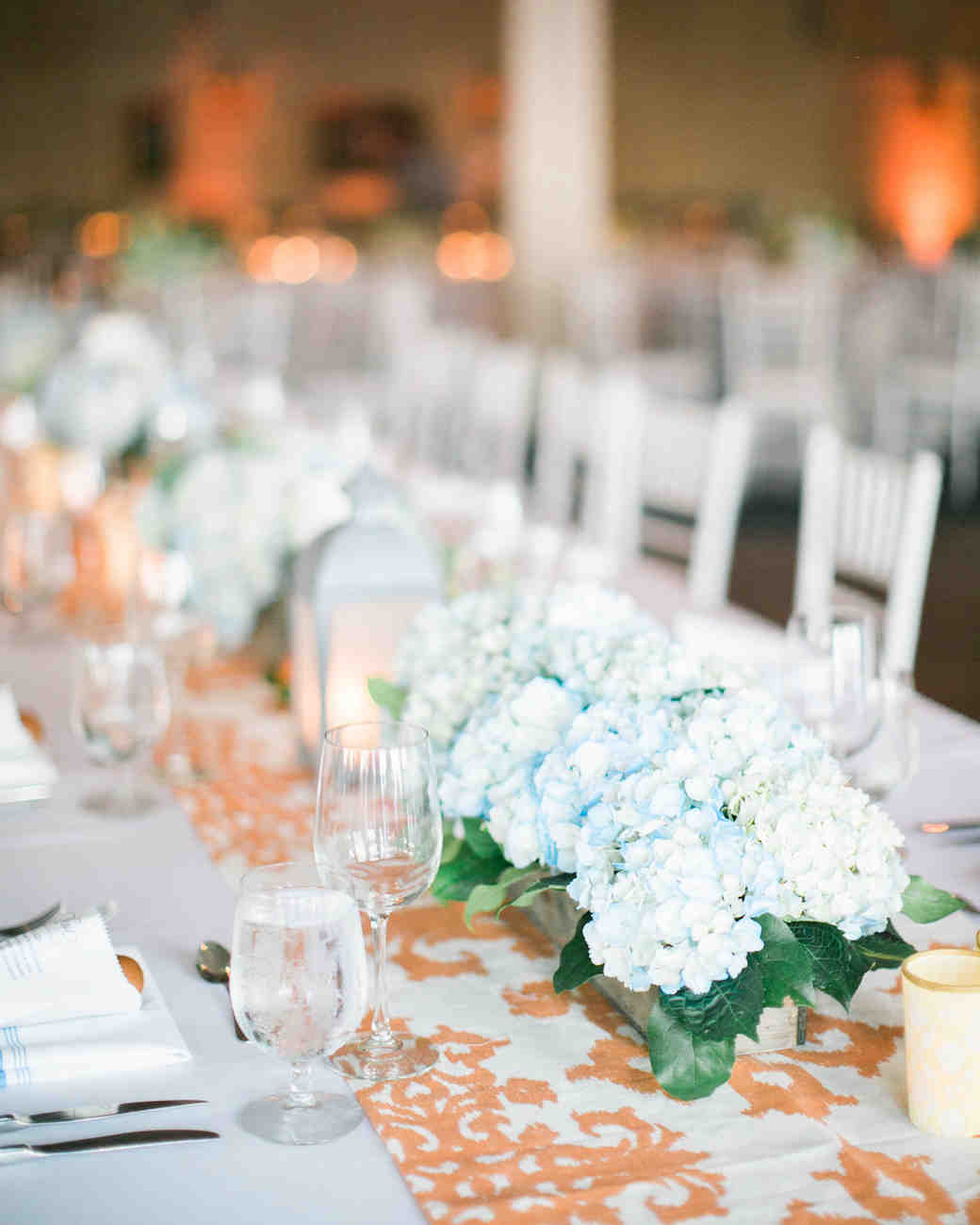 36 simple wedding centerpieces martha stewart weddings rh marthastewartweddings com Wedding Reception Table Decorations simple candle centerpieces wedding reception