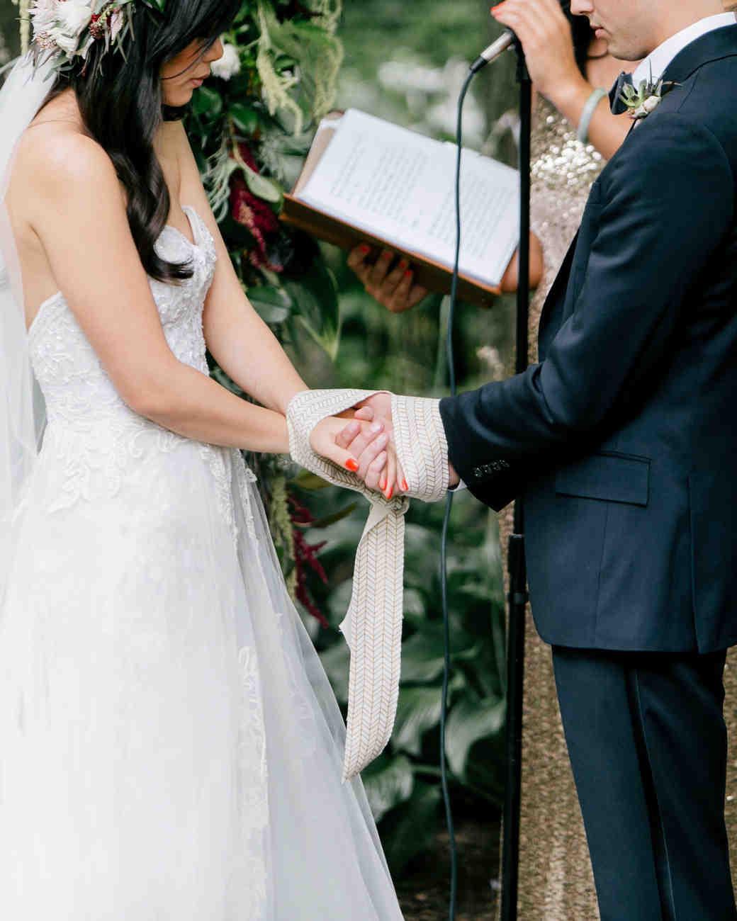 susan-tom-wedding-handtying-152-s112692-0316.jpg
