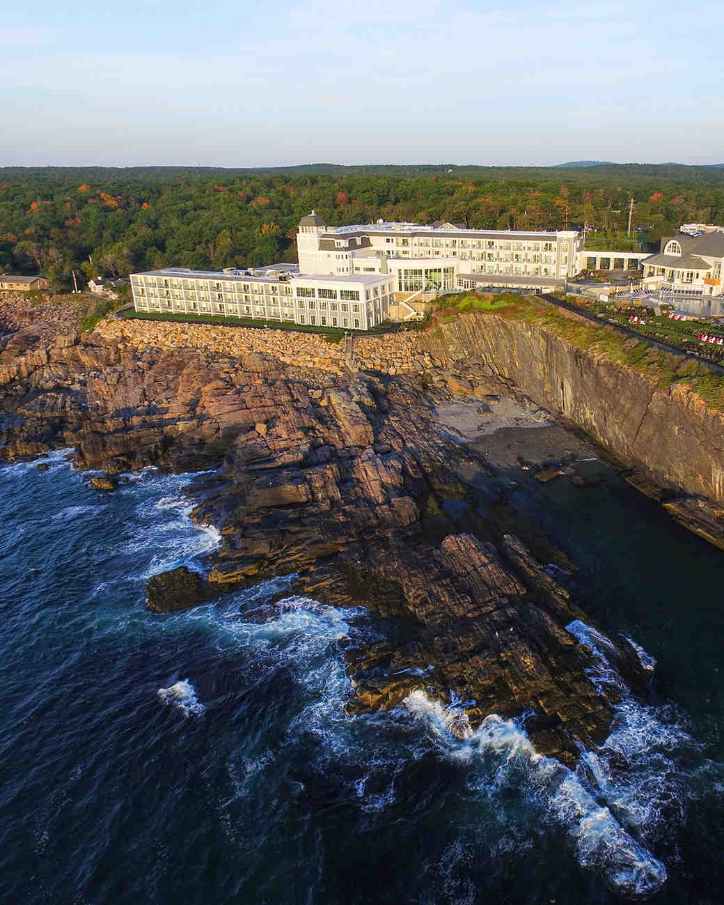 wedding venues with fall foliage cliff house