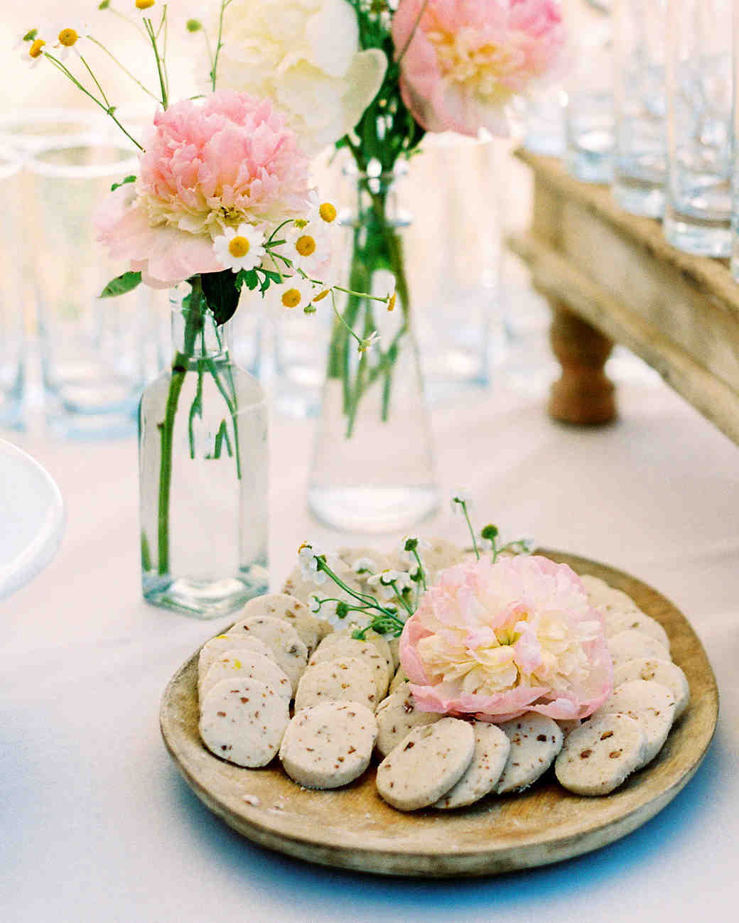 caitlin amit wedding cookies and flowers