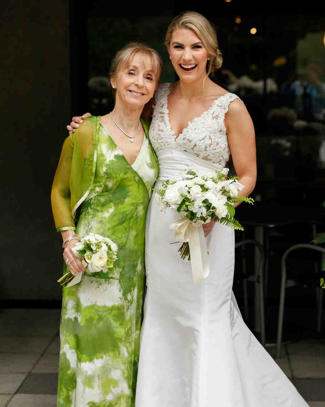 wedding bride with mother