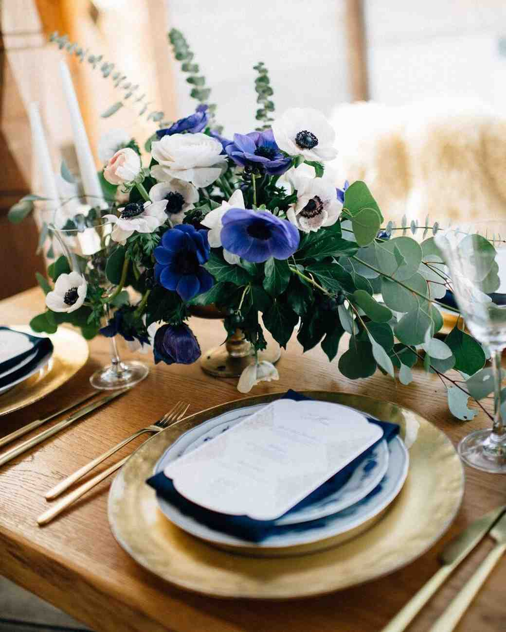 centerpiece with blue and white anemones