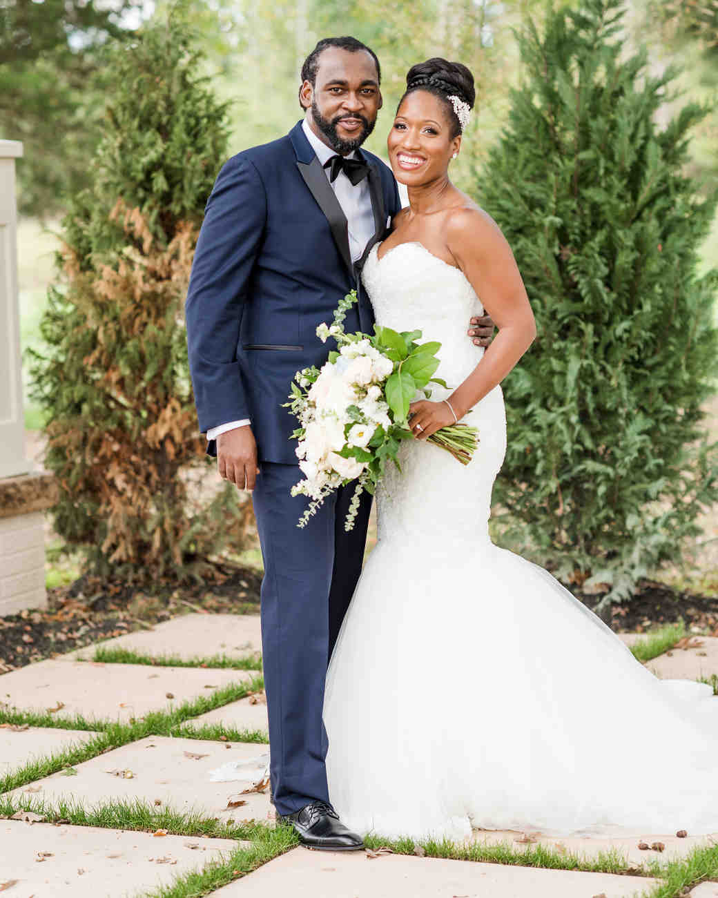 kenisha wendall wedding portrait couple posing