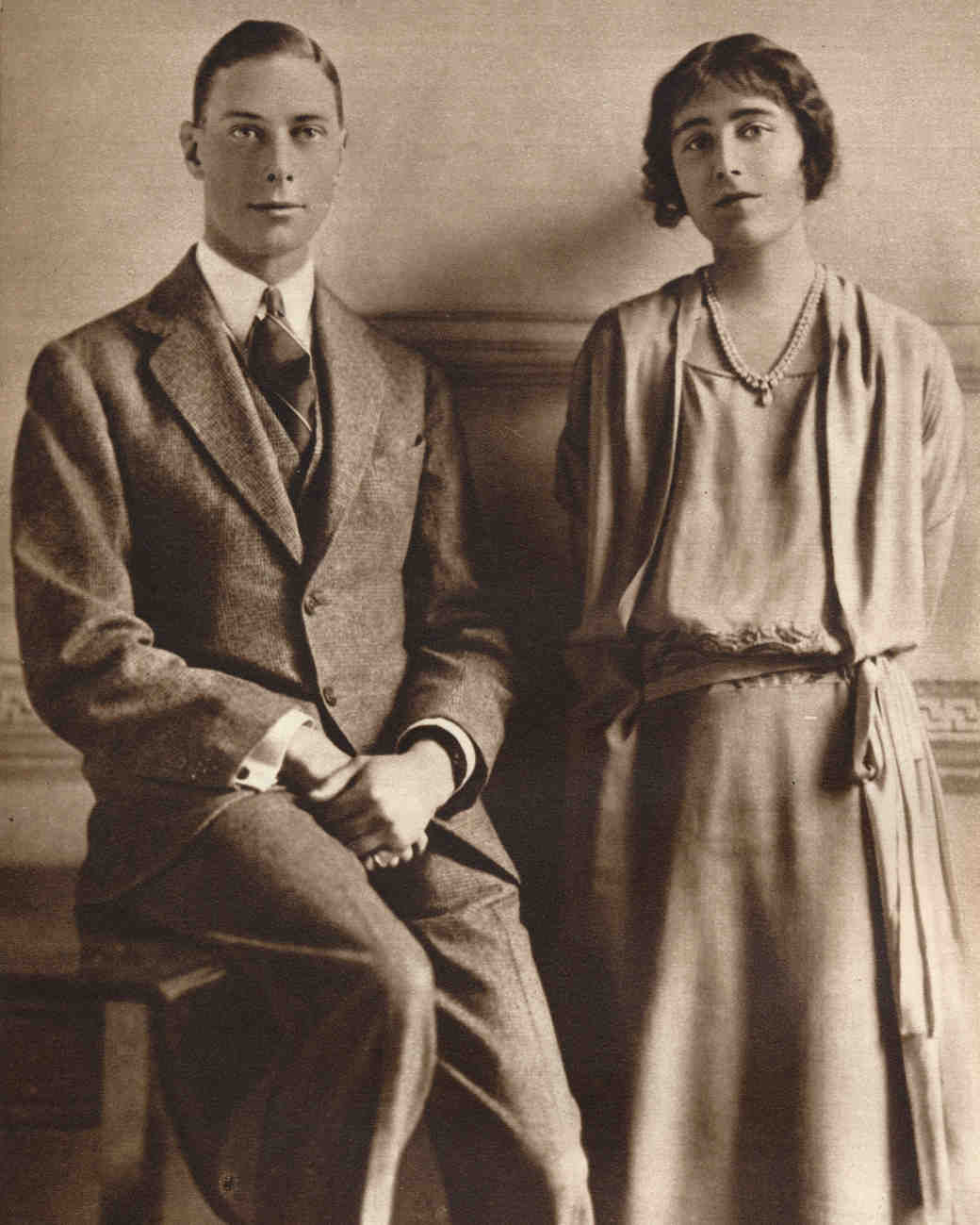 george vi and elizabeth bowes-lyon engagement photo