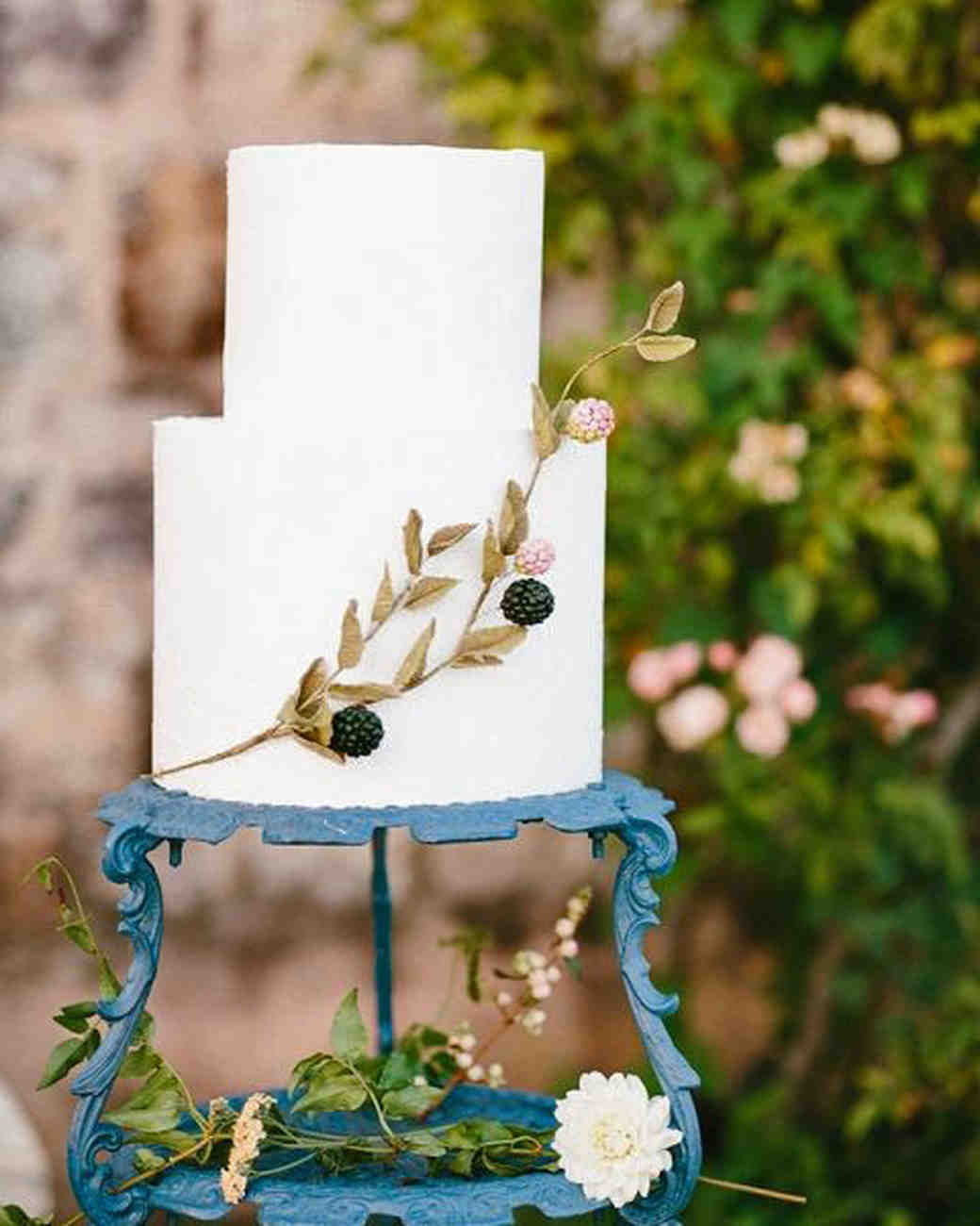 summer reception ideas wedding cake berry