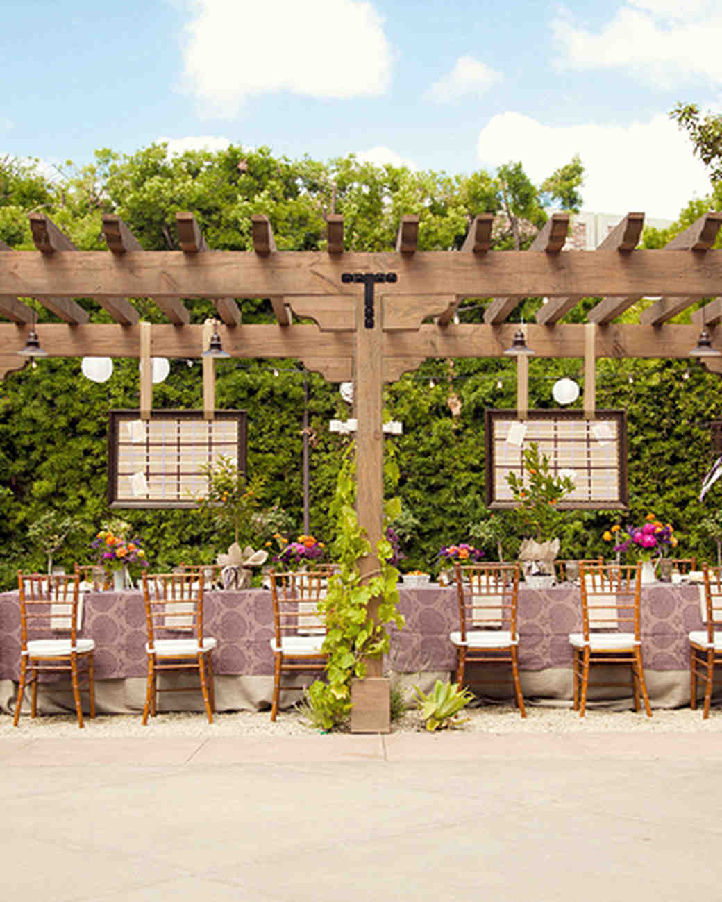wedding-brunch-ideas-outdoor-dining-area-0416.jpg