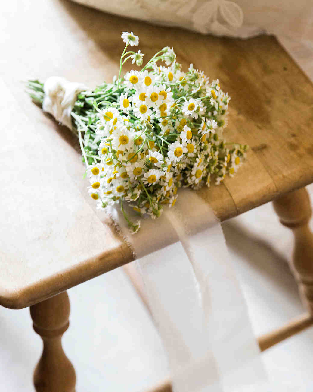 allison aimee wedding simple bouquet