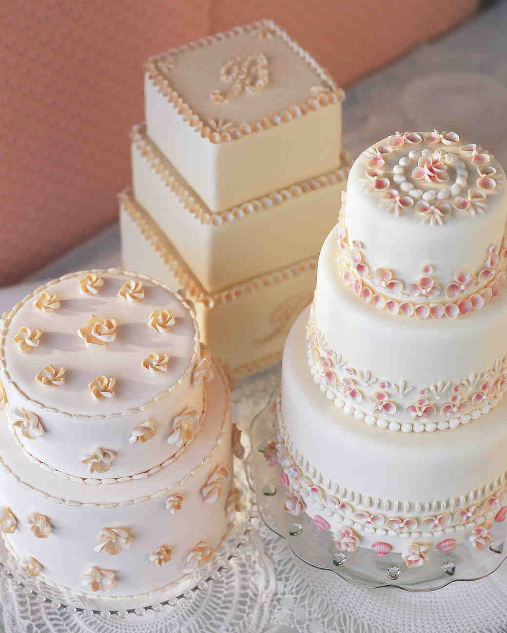 beach wedding cakes 29 wedding cakes with vintage vibes martha stewart weddings 11179