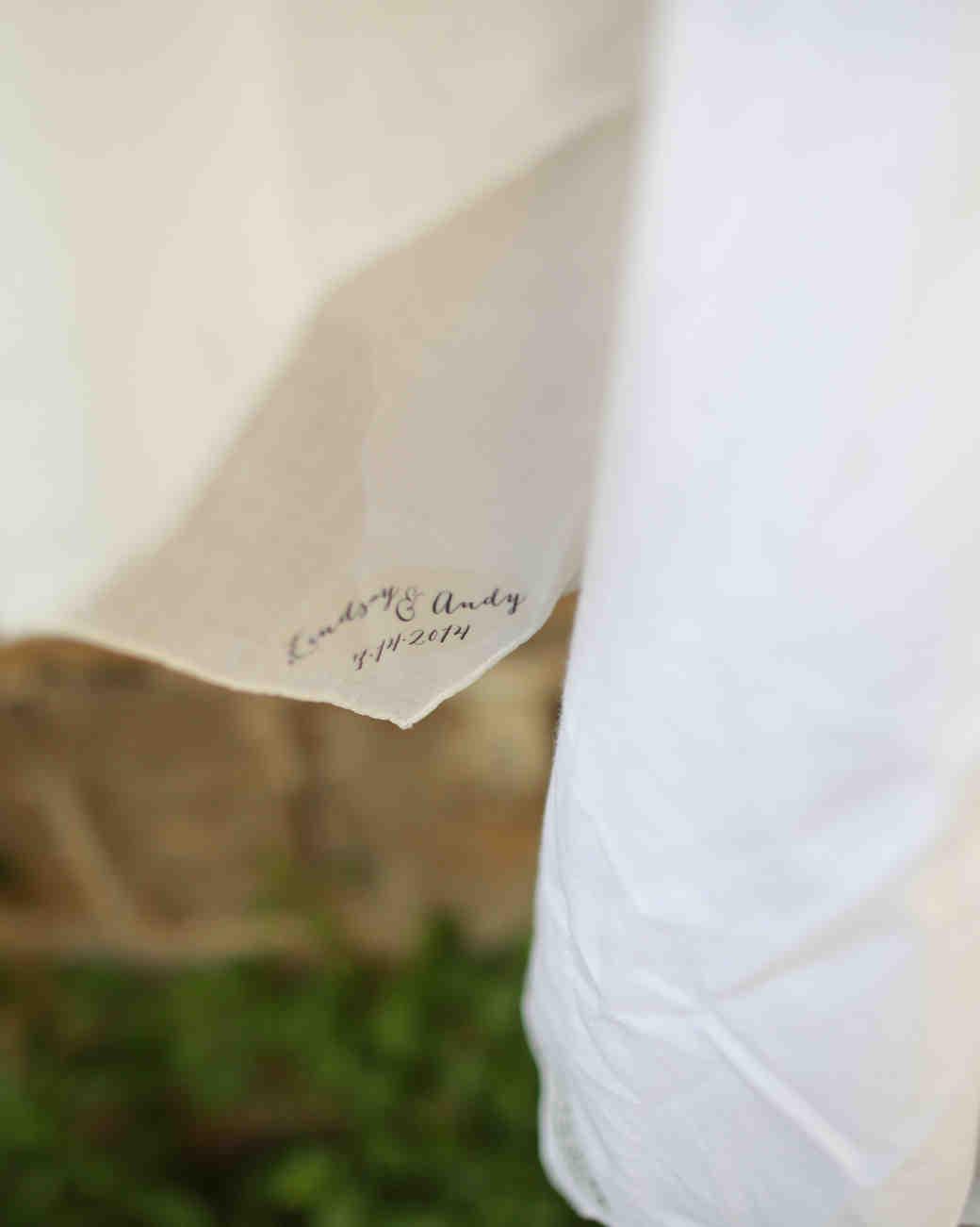 lindsay-andy-wedding-hankies-4323-s111659-1114.jpg