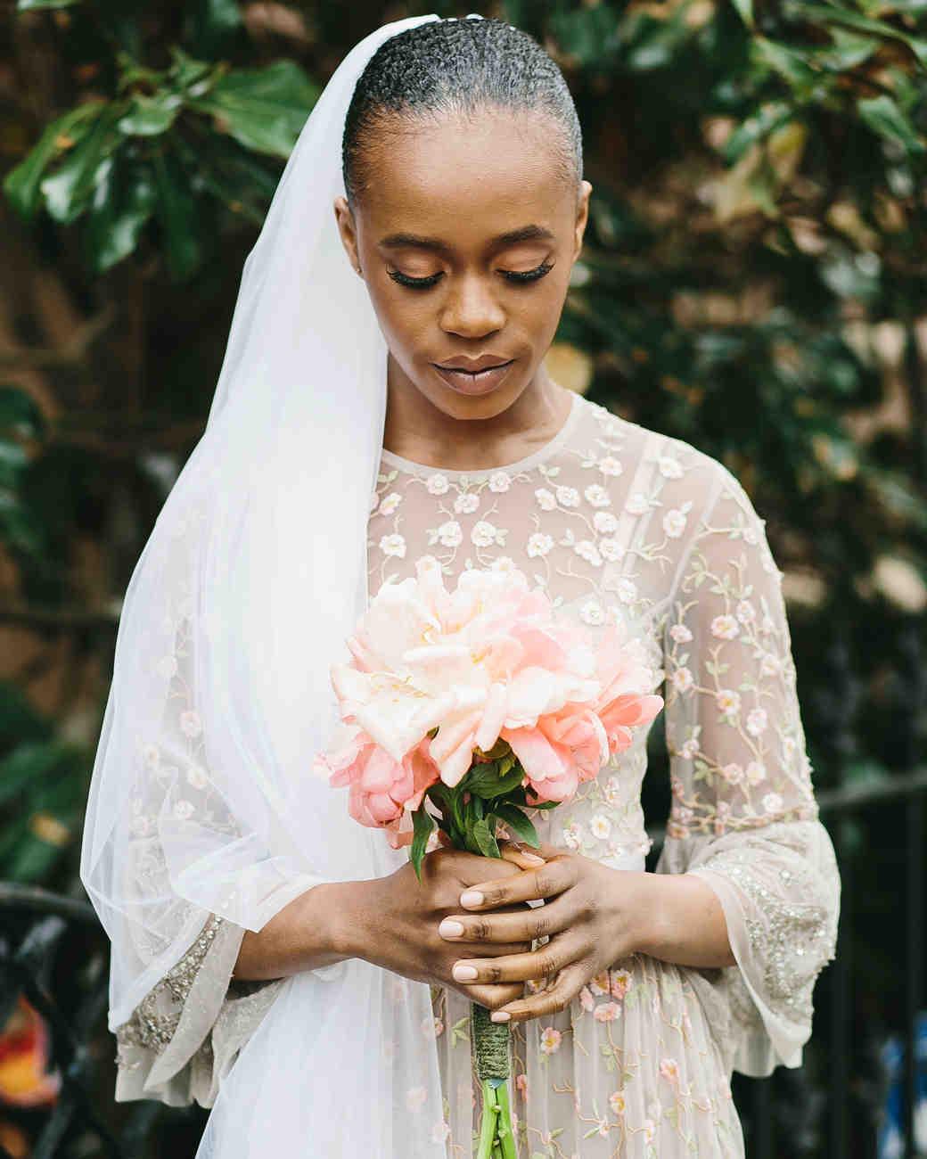lola quinlan elopement bouquet peony bride