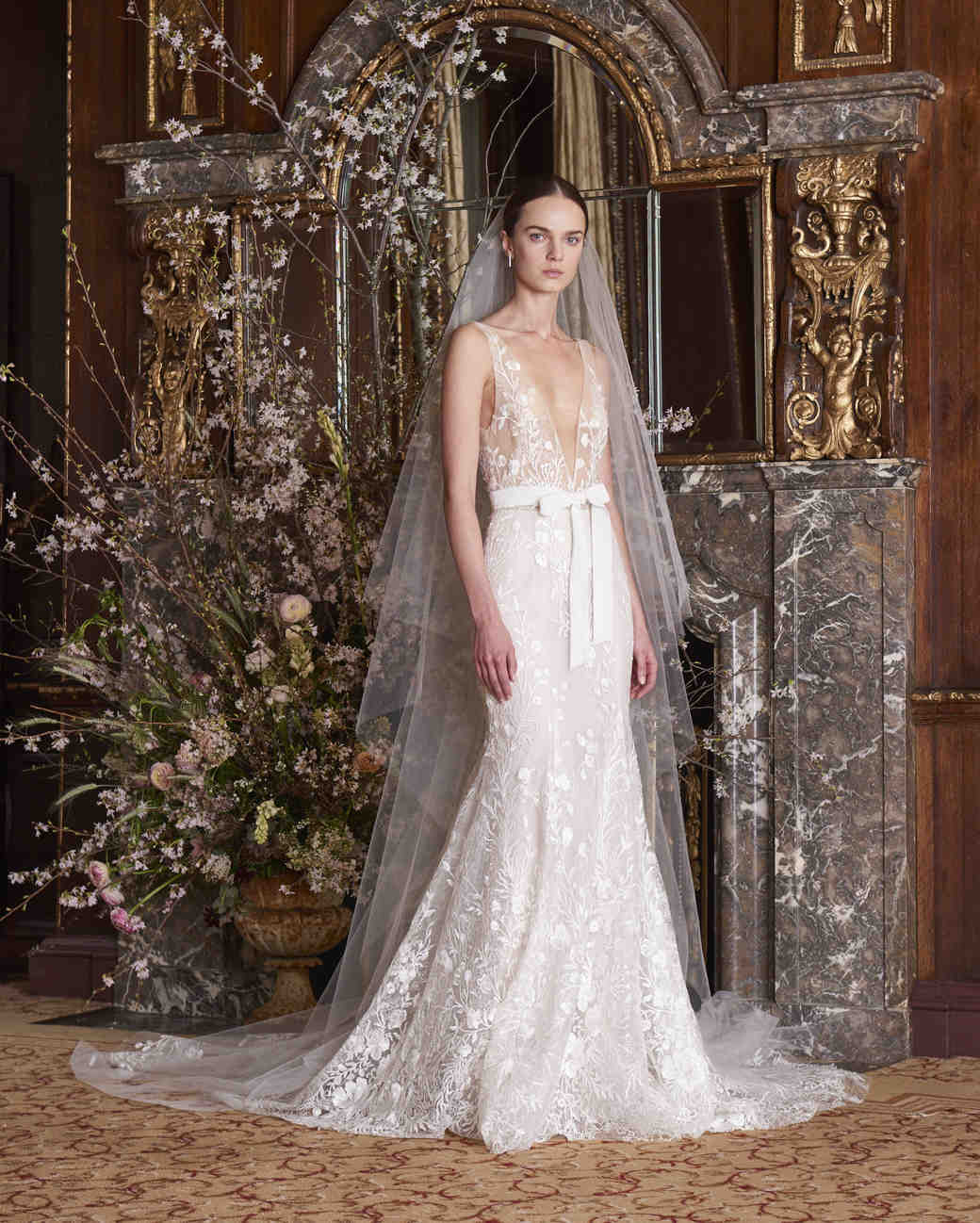 monique lhuillier wedding dress spring 2019 v-neck lace