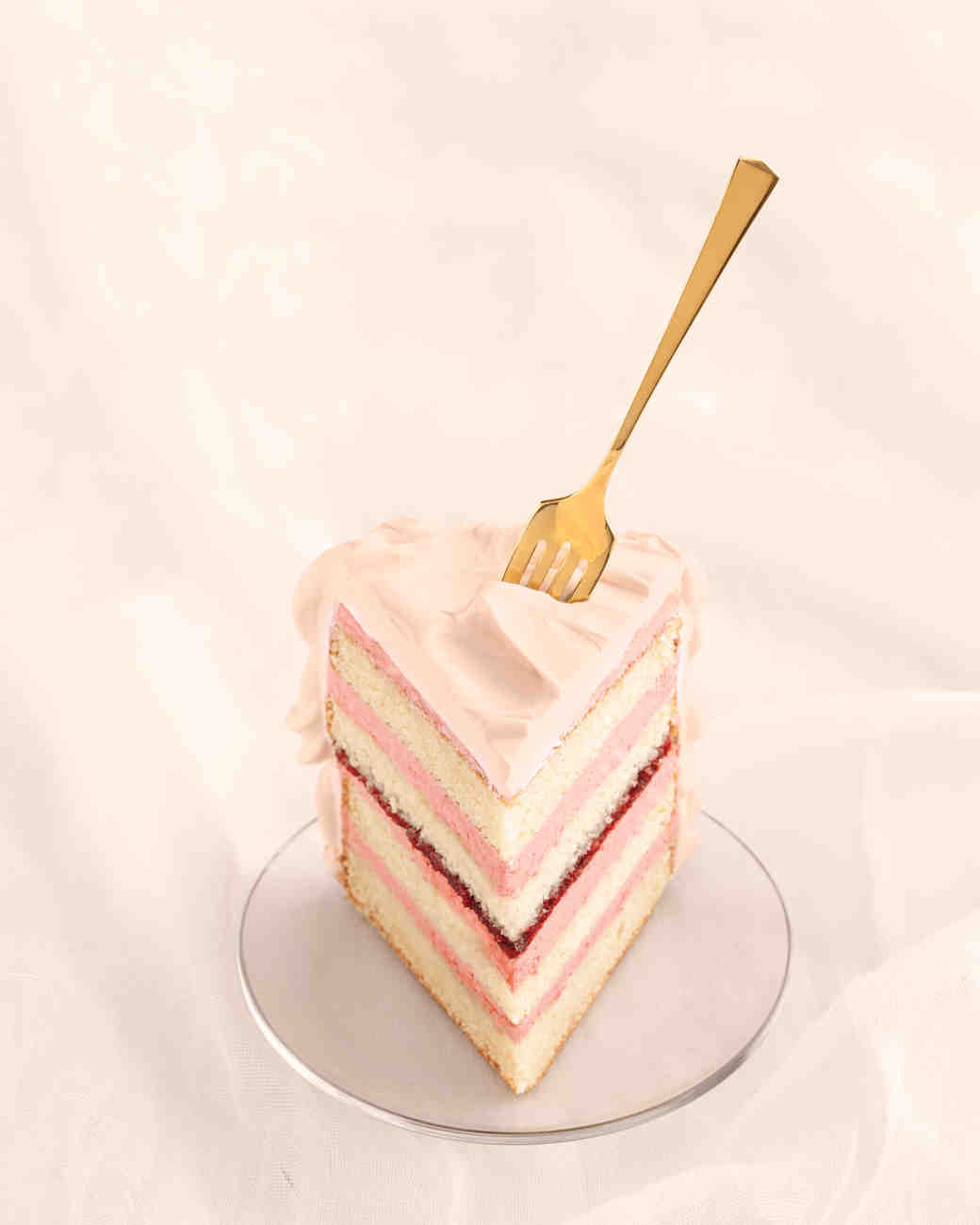 wedding-cake-pink-kir-royale-slice-167-d111828.jpg