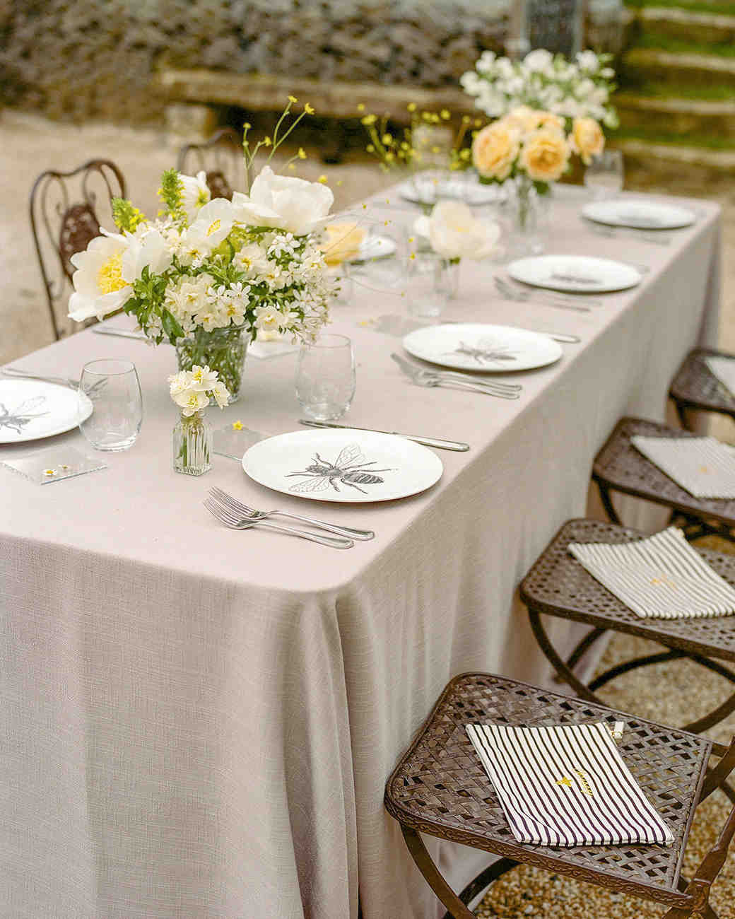 bee wedding ideas table setting plate
