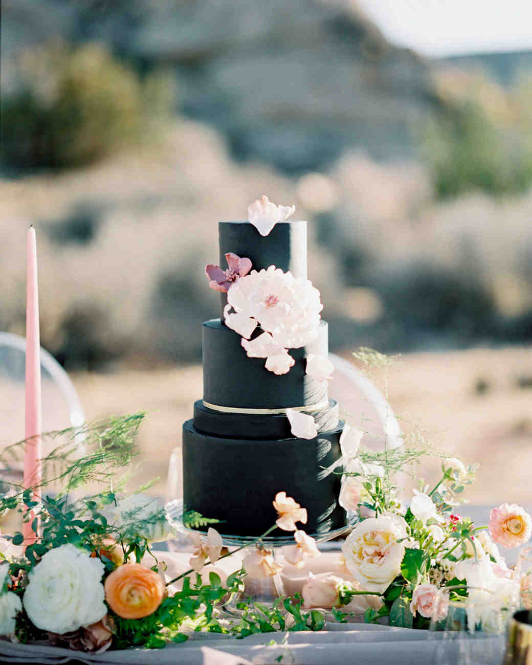 black wedding cake alicia mink initricakes